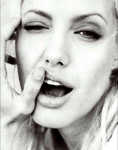 Angelina Jolie Jane January 2000 03