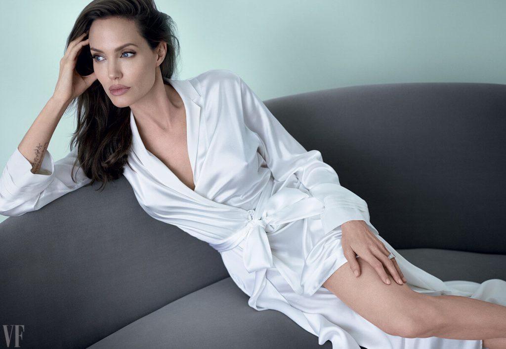 Angelina Jolie Vanity Fair December 2014 02
