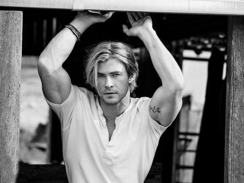 Chris Hemsworth People December 2014 02