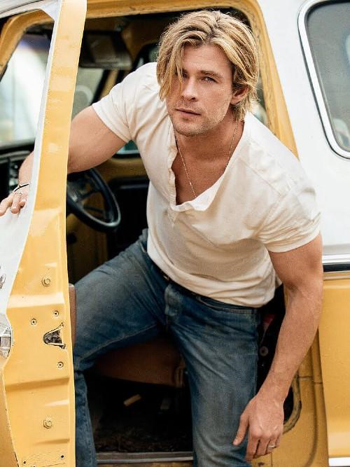 Chris Hemsworth People December 2014 13